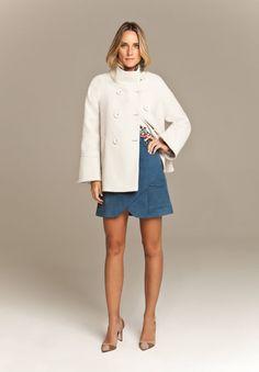 Casaco de lã de seis botões, eterno, clássico, combina com tudo e é bem quentinho!