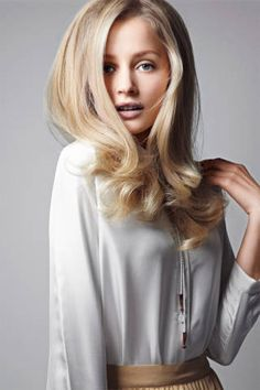 How to Do a Dry-Hair Blow-Out - Tips on Getting a Dry-Hair Blow-Out - ELLE Perfect Blowout, Beauté Blonde, Beige Blonde, Blonde Color, Warm Blonde, Blowout Hair, Hair Romance, Modelos Fashion, Great Hair