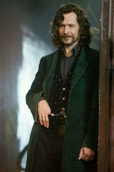 My favorite HP character Sirius Black Pureblood. Played by Gary Oldman - My favorite HP character Sirius Black Pureblood. Played by Gary Oldman - Harry Potter World, Images Harry Potter, Arte Do Harry Potter, Harry James Potter, Harry Potter Universal, Harry Potter Fandom, Harry Potter Characters, Harry Potter Memes, Harry Potter Sirius