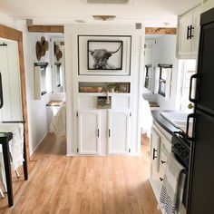 23 Camper Remodel Ideas That Will Inspire You - Outdoordecorsm - Wohnwagen Bus Living, Tiny House Living, School Bus House, Rv Interior, Motorhome Interior, Interior Design, Rv Homes, Ikea, Camper Makeover