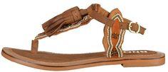 Pin for Later: 20 flache Sandalen, die euch Flip Flops ganz schnell vergessen lassen  Bronx Zehentrenner in Camel (50 €)