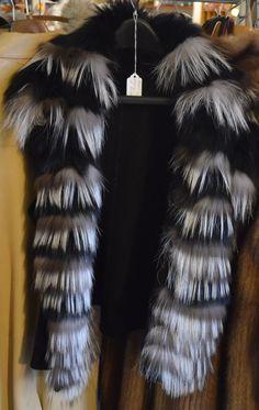 Silberfuchs, Silver Fox Mall, Fur Coat, Fox, Antiques, Awesome, Silver, Fashion, Moda, Antiquities
