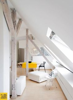 slanted ceiling (via homedesigning)