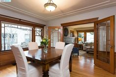Dinning room with french doors.