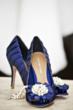 Gorgeous blue with pearl accent shoes!