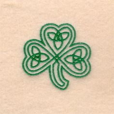 Embroidery Designs Ideas Celtic Three Leaf Clover embroidery design Another sister tattoo idea to represent all three of us and our scots irish heritage. Irish Tattoos, Celtic Tattoos, Celtic Clover Tattoos, Spiral Tattoos, Celtic Knot Tattoo, Body Art Tattoos, New Tattoos, Tatoos, Zodiac Tattoos