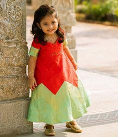 Baby Girl Dress Patterns, Dresses Kids Girl, Baby Dresses, Kids Blouse Designs, Blouse Neck Designs, Kids Lehanga Design, Kids Gown, Baby Frocks Designs, Sleeves Designs For Dresses
