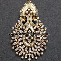 Jewellery Designs: Heavy Designer Diamond Pendant
