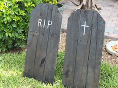 diy halloween tombstones | DIY-Halloween-Tombstones | Halloween Tricks and Treats