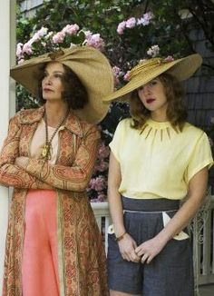 Drew Barrymore and Jessica Lange in a promo photo on the set of Grey Gardens Grey Gardens Movie, Grey Gardens 2009, Costumes Couture, Jean Simmons, Drew Barrymore, Design Blog, Interiores Design, Costume Design, Documentaries