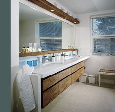 love the simplicity of this bathroom vanity