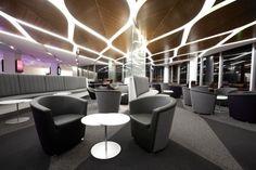 Virgin Australia Lounge, Melbourne Airport in Australia. Corporate Interior Design, Corporate Interiors, Office Interiors, Interior Ceiling Design, False Ceiling Design, Interior Lighting, Airport Architecture, Architecture Details, Interior Architecture