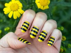 Simple nail designs for natural nails. Black Manicure, Black Nails, Yellow Stripes, Black N Yellow, Bee Nails, Striped Carpets, Yellow Nail Art, Pointy Nails, Striped Nails