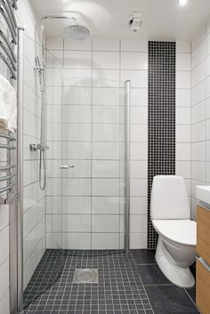 It isn't always easy to find the best way to store things in such a small space, especially in tiny bathrooms! Find how you can with these ideas. Wet Room Bathroom, Tiny Bathrooms, Bathroom Layout, Compact Bathroom, Bath Room, Bathroom Ideas, Bathroom Design Small, Simple Bathroom, Rustic Bathroom Vanities