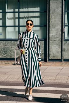 Caroline Issa between the style exhibits. The submit London SS 2020 Street Style: Caroline Issa appeared first on STYLE DU MONDE Fashion Week, Daily Fashion, Fashion Photo, Everyday Fashion, Trendy Fashion, Fashion Outfits, Womens Fashion, October Fashion, Fashion Trends