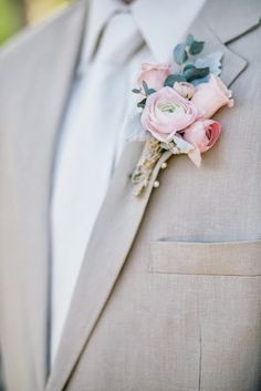 blush and dusty green boutonniere for groom Green Boutonniere, Ranunculus Boutonniere, Boutonnieres, Wedding Groom, Diy Wedding, Dream Wedding, Wedding Ideas, Wedding Themes, Wedding Colors