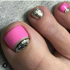 Toe nail art design ideas for sumer with glitter