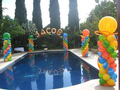 The Effective Pictures We Offer You About pool party hawaiana A quality picture can tell you many things. Pool Party Themes, Pool Party Decorations, 5th Birthday Party Ideas, Elmo Party, Luau Party, Summer Pool Party, Water Party, Tropical Party, Baby Shark