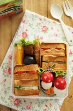 Japanese-Style Sandwich Bento Lunchbox (Link is a Tutorial for Making QuailEgg Radish Mushrooms) サンドイッチ弁当