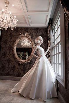 Coleção Divas  Solaine Piccoli  Noiva, Vestido de Noiva, Bride, Dress, White, Fashion, Fashion Shoot, Glasses, Princess