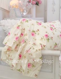 Home Decorators Collection Roller Blinds much Shabby Chic Home Decor For Sale quite Home Decor Ideas For Spring even Home Decor Ideas Living Room Budget; Shabby Chic Bohemian Home Decor Shabby Chic Beach, Shabby Chic Cottage, Shabby Chic Homes, Shabby Chic Style, Shabby Chic Decor, Cottage Style, Cottage Design, Shabby Chic Chairs, Cottage House