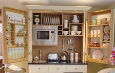Compact kitchen with Culshaw Bell - DECOmyplace