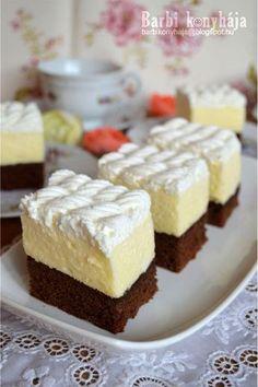 Múlt pénteken sok dolgom volt, másnapra vártam a húgomékat és anyut, ilyenkor takarítás, ebéd előkészületek, mert 8 főre azért tervezni kel... Sweet Desserts, No Bake Desserts, Sweet Recipes, Delicious Desserts, Dessert Recipes, Hungarian Desserts, Hungarian Recipes, Peach Yogurt Cake, Eclair Cake Recipes