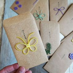 Card Tags, Gift Tags, Diy Bead Embroidery, Japanese Colors, Diy And Crafts, Paper Crafts, Red Packet, Kawaii Gifts, Wedding Envelopes