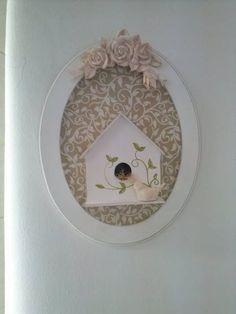 enfeite de maternidade provençal com casa de pássaros em mdf tecido pode ser alterado assim como as cores, se ajustando a necessidade do cliente medidas aprox. 30cm X25cm R$ 78,00