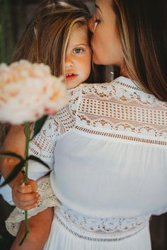 Self portraits by LeAnna Azzolini Photography Mommy Daughter Pictures, Mother Daughter Pictures, Mother Daughters, Daddy Daughter, Mother Son, Family Posing, Family Portraits, Family Photos, Mom Daughter Photography