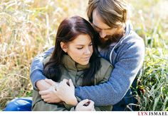 Contemporary Fall Engagement Session in Waterloo | Erica and Matt