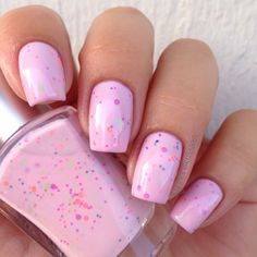 As a base for light pink Seppala's Strawberry sorbet I added two coats of Go ginza by Essie topped with HK Girl Top Coat.  Strawberry sorbet is topped with Glossy glam. Sinney