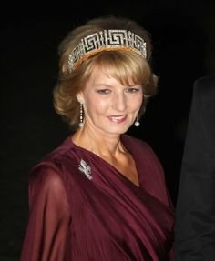 HRH Crown Princess Margarita of Romania, wears the Romanian Greek Key Tiara. Noted as being possibly the last Tiara in the exiled royal house. Royal Crowns, Royal Tiaras, Tiaras And Crowns, George Balanchine, Romanian Royal Family, Princesa Victoria, Royal Families Of Europe, Grand Duchess Olga, Diamond Tiara