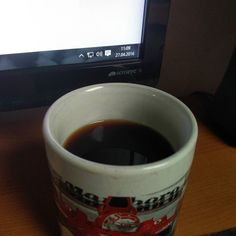 Intermittent fasting is just King when it comes to fat loss while enjoying life. Seriously! Fck breakfast before 12 AM. This is my breakfast at Around 11 AM. Black coffee with sweetener   #kinobody #intermittentfasting #gainz #bodybuilding #fitness #iifym #gaming #training #workout #coffee by liftinggamer