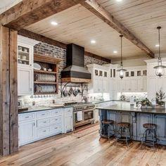 Farmhouse Style Kitchen, Modern Farmhouse Kitchens, Home Decor Kitchen, Kitchen Interior, Big Kitchen, Farmhouse Plans, Modern Farmhouse Interiors, Farmhouse Renovation, Modern Farmhouse Style
