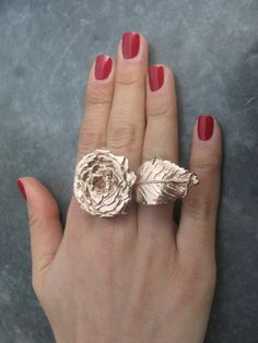 ..a gemologist currently living and working in New York City's famed Diamond District. I love...