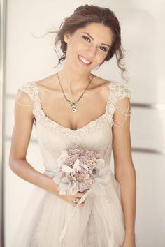 Pembekare wedding photography / düğün fotoğrafı- Duygu'nun gelinliğine bayıldık. Banu Güven tasarımı.