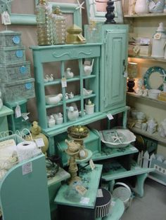 Shabby turquoise booth