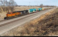 RailPictures.Net Photo: BNSF 6808 BNSF Railway GE ES44C4 at Phillips, Nebraska by Allen Robertson