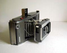 1960s Polaroid Land Camera Electric Eye J66 by CalloohCallay
