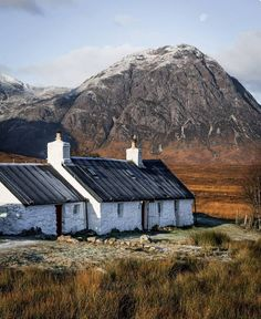 Beautiful Landscapes of Scotland by Johnny Stills Outdoor Photography, Amazing Photography, Landscape Photography, Travel Photography, Landscape Photos, Eco Cabin, Hotel Stay, Scotland Travel, Skye Scotland