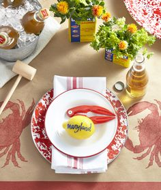 25 Charming Ideas for Summer Party Table Settings - Jessica's Pins! Lobster Bake Party, Shrimp Boil Party, Crab Party, Lobster Boil, Seafood Party, Lobster Dinner, Crawfish Party, Lobster Fest, Crawfish Season