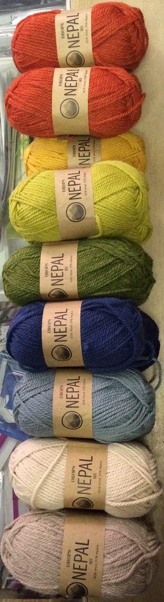 Scegliere i colori per un nuovo progetto è sempre un bel gioco... giocando con Drops Nepal :-)
