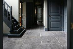 De Opkamer Realisatie | De Opkamer | Antieke vloeren en schouwen Stone Flooring, Luxury Interior Design, Rustic Chic, Tile Floor, Floors, Basement, Antiquities, Floor, Fireplaces