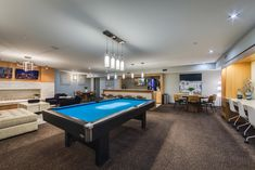 At ReNew Five Ninety Five, we have many #amenities for our residents including a #coffee bar and pool table in our #clubhouse. #ReNew595 #Apartments #IL #Chicago #IAmRenewed