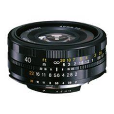 レンズマウントからの全長24.5mmの薄型設計。使いやすい40mmの画角と大口径の組み合わせは、デジタル・アナログ双方の新標準レンズとして実力を発揮します。