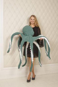 Crochet Snail, Octopus Crochet Pattern, Crochet Patterns Amigurumi, Crochet Blanket Patterns, Knit Crochet, Crochet Sea Creatures, Turquoise Eyes, Handmade Soft Toys, Mug Cozy
