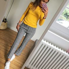 21 Cosy Office & Work Outfits Ideas for Women When It's Cold - clothes for work ., 21 Cosy Office & Work Outfits Ideas for Women When It's Cold - clothes for work . Office Outfits Women, Summer Work Outfits, Casual Work Outfits, Business Casual Outfits, Professional Outfits, Mode Outfits, Work Attire, Work Casual, Fall Outfits