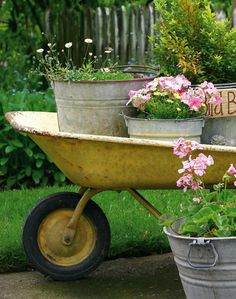 I've got the wheelbarrow and the pails and tub. Now to spray paint the wheelbarrow! Organic Gardening, Gardening Tips, Vintage Gardening, Wheelbarrow Planter, Wicker Planter, Gemüseanbau In Kübeln, Container Gardening Vegetables, Vegetable Gardening, Garden Planning