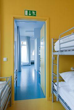 berlin 2008 - ronald s. lauder foundation - jewish - linoleum - bold - colors - yellow - shared room - bedroom - zimmer - hochbett - gelb
